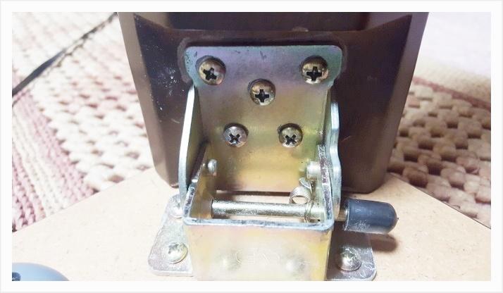 ネジ穴の緩みをティッシュペーパー1枚で補修する方法