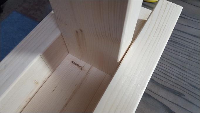 中心の柱(633㎜)にTの形に280㎜を木工用ボンドで接着