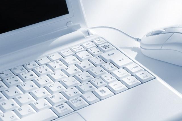 パソコン側に追加の機器は必要か?