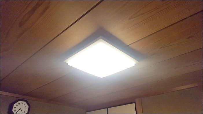 LEDシーリングライト 暖かい色
