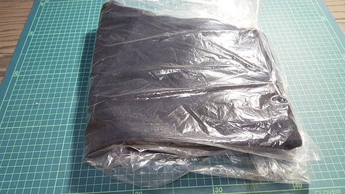 Amazonでファッションカテゴリの返品 商品を元通りに袋にしまう