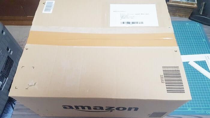Amazonでファッションカテゴリの返品「返送先住所」をダンボールに貼りつける
